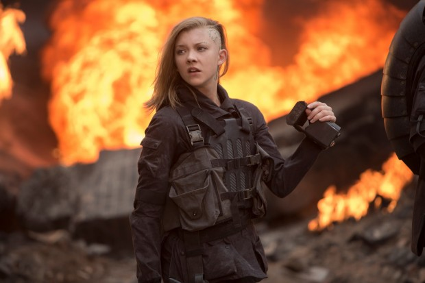 Cressida filming in the ruins of District 8.