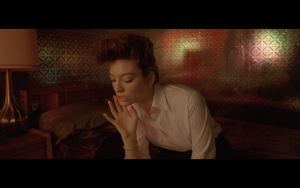 Yellow Flicker Beat Lorde Photo 1