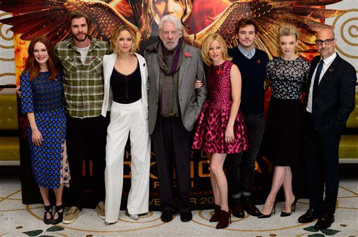 Julianne Moore, Liam Hemsworth, Jennifer Lawrence, Donald Sutherland, Elizabeth Banks, Josh Hutcherson, Natalie Dormer, Stanley Tucci