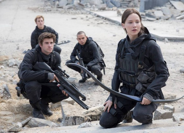 mockingjay-part-2-still-star-squad