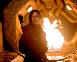 mockingjay-part-2-katniss-fire-still
