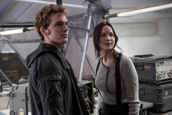 mockingjay-part-2-still-finnick-katniss
