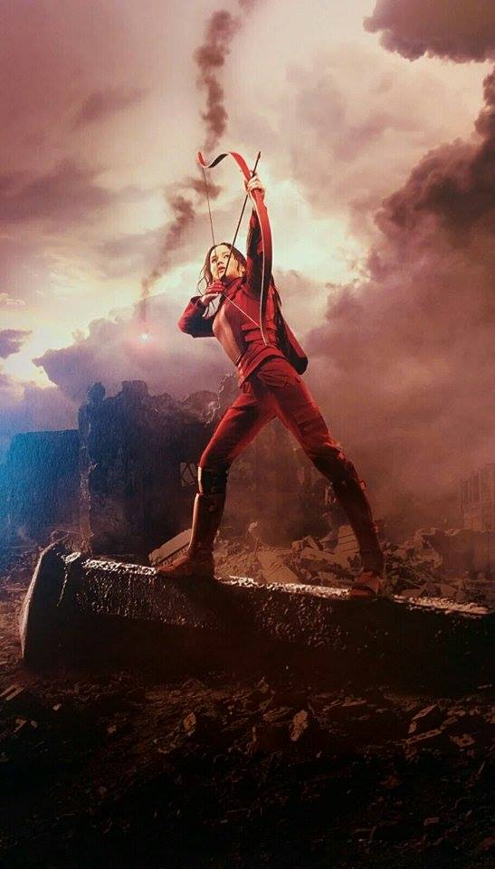 full promotional katniss everdeen red mockingjay outfit