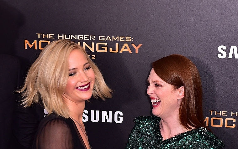 jennifer lawrence julianne moore