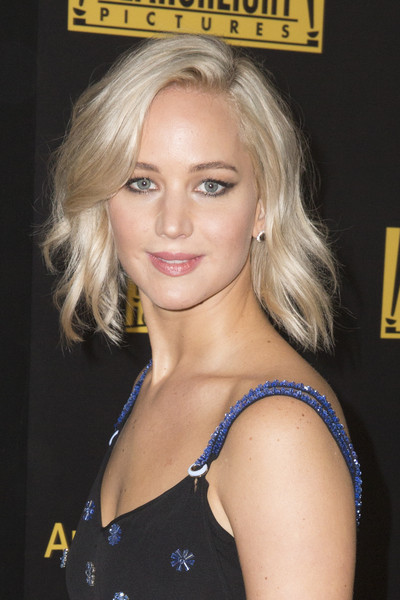 jennifer lawrence fox and fx 2016 golden globe awards party after full close up