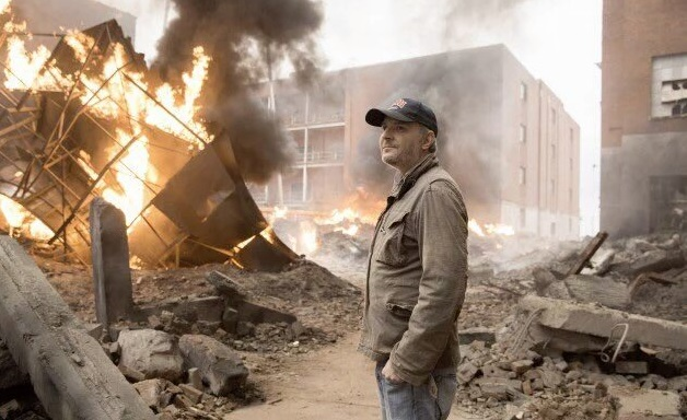 francis lawrence district 8 bombing hunger games mockingjay part 1